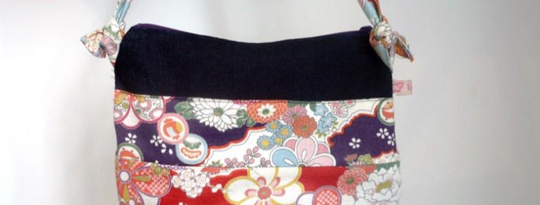 Pochette issue du livre Sacs et Pochettes à coudre de Mavada avec tissus fleuris japonais La Rabichette
