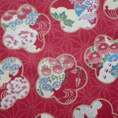 Tissu japonais motifs grandes fleurs sakura sur fond géométrique rouge- 20*110 cm