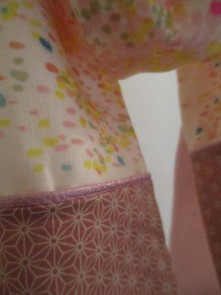 kit coudre tole en tissu japonais motifs fleuris et g om triques coloris pastels roses n. Black Bedroom Furniture Sets. Home Design Ideas